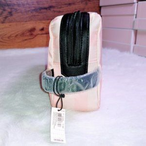 NWT Carry All Makeup and Personal Case $28